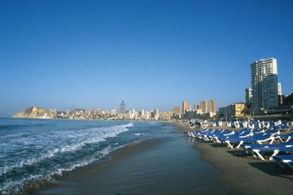 Verano en Alicante. Una ciudad que mira al mar