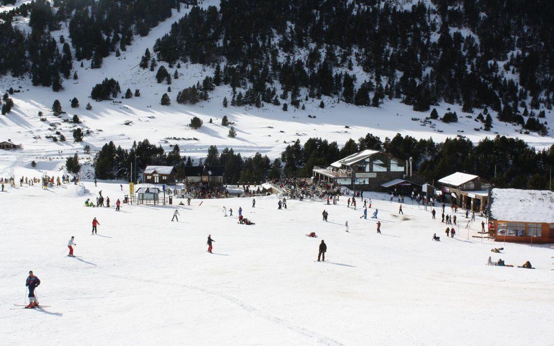 Las pistas de esquí de Grandvalira reciben 7.600 visitantes el primer día del Puente de la Purisíma