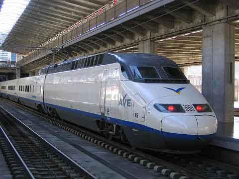 Viajes baratos en tren más hotel para San Valentín
