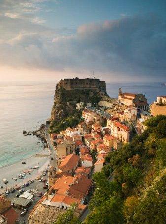 Visitar Calabria este verano. Vacaciones románticas para los meses de julio, agosto y septiembre