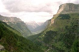 Aragón, entre las altas montañas y el valle del río Ebro