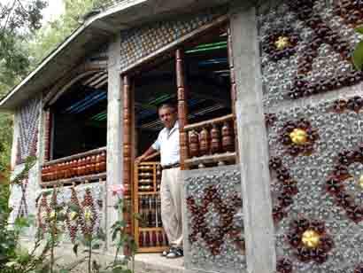 Casas ecológicas construidas con plástico