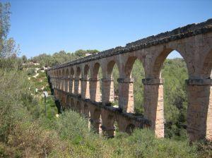 ¿Puente del Pilar? Escapadas baratas en la Península