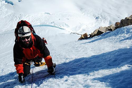Consejos para evitar accidentes al practicar la escalada en hielo