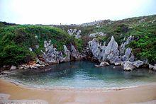 Tres pueblos  y lugares insólitos de la costa asturiana