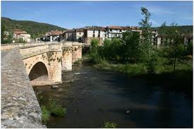 Burgos, Covarrubias, villa medieval en un hermoso entorno natural