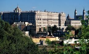 Madrid, sus antíguos barrios, plazas y lugares de compras